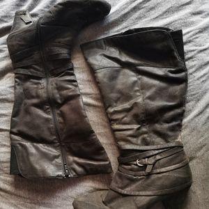 Shoes - Black boots,